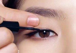 教大家4种淡妆眼线画法 从此菜鸟变司机