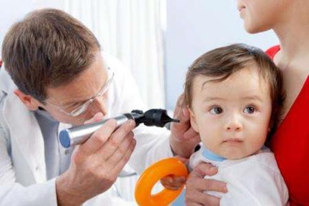 儿童游泳会得中耳炎吗?中耳炎的症状与治疗方法