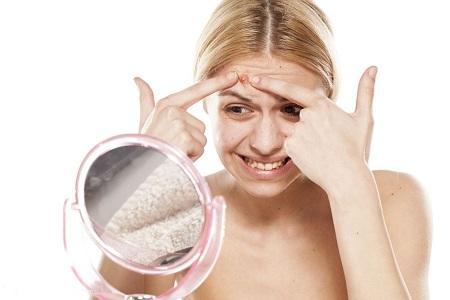 脸上痘痘粉刺 脸上痘痘粉刺是怎么形成的原因?