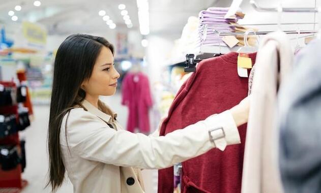 其实我们在日常服装的选购中 怎么挑适合自己的衣服