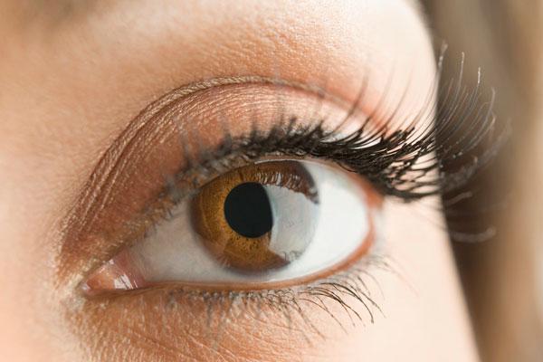 眼睛红血丝 眼睛红血丝是怎么回事?