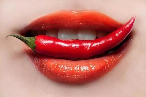 嘴唇爆皮是什么原因 嘴巴掉皮怎么回事?