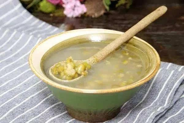 绿豆汤的功效与作用 绿豆汤的功效与作用是什么?