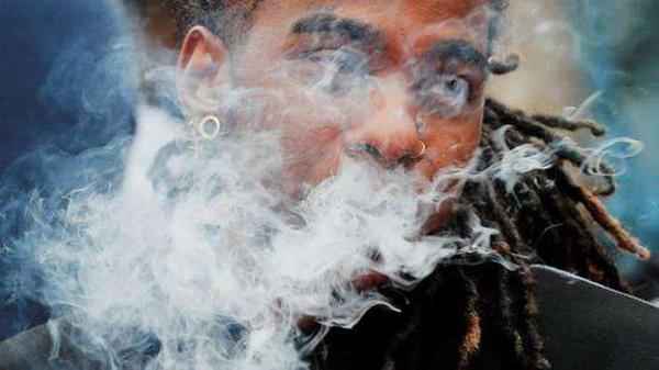 电子烟的危害 阿里下架电子烟是为什么?
