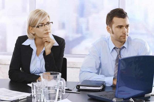 追同事失败怎么办 追同事失败会很尴尬?