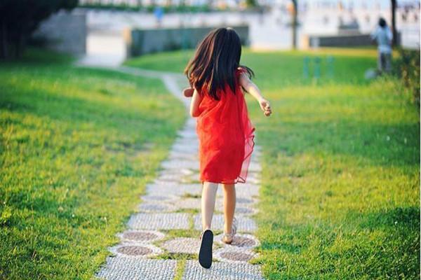 小时候的阴影怎么消除 小时候的阴影怎么消除?