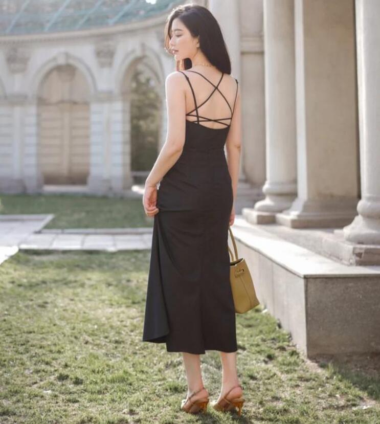 作为一名女性 高跟鞋搭配什么样的衣服?