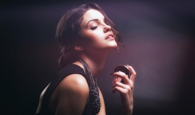 女性喷香水的正确方法 香水怎么用效果最好