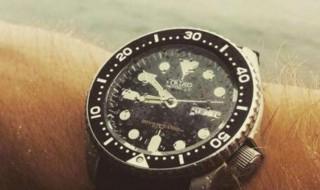手表有水雾怎么解决 手表有水雾怎么办