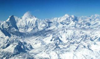 珠穆朗玛峰属于哪个国家 珠穆朗玛峰有什么称呼呢
