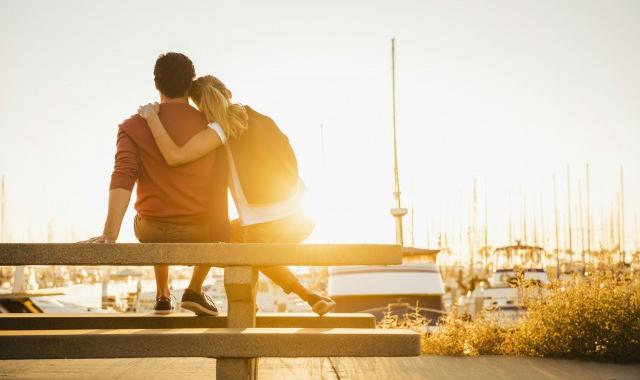 原来不爱了是这种感觉 当一个人不再爱你的时候会怎么样?