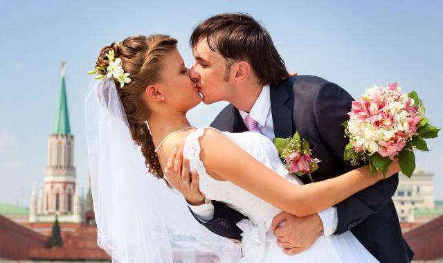 为什么现在的人不结婚不恋爱 现代年轻人对待婚恋的态度