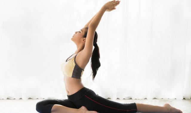 10个简单减肥动作 简单10个瘦身塑形的瑜伽动作