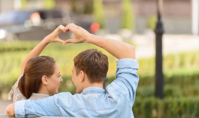 男人爱女人应该说什么 男人应该对女人说什么才能表达感情呢
