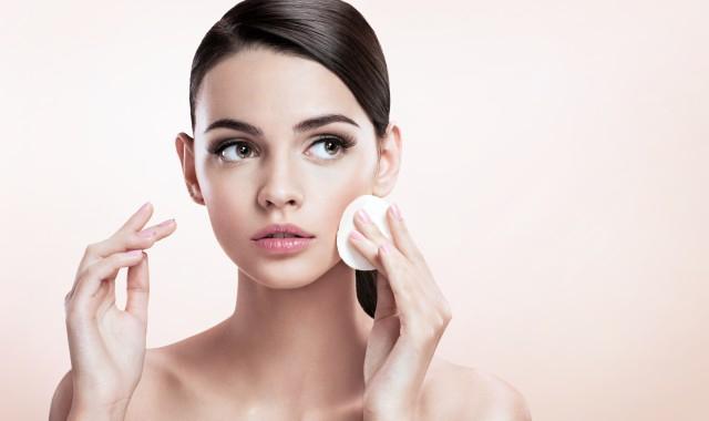 脸上许多黑头怎么清理 如何有效清理脸上的黑头