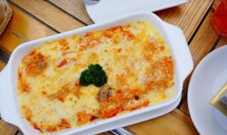 海鲜芝士焗饭的做法 怎么做海鲜芝士焗饭