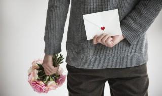 送女朋友花贺卡怎么写 给女朋友送花贺卡写什么
